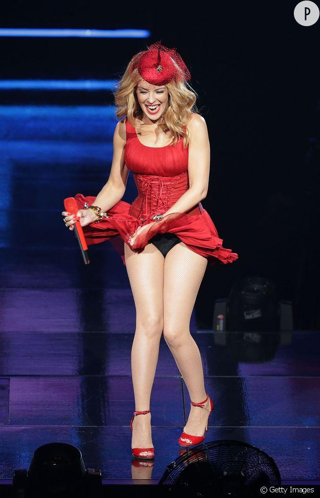 Kylie Minogue en petite culotte sur scène à Sydney, vendredi 20 mars 2015.
