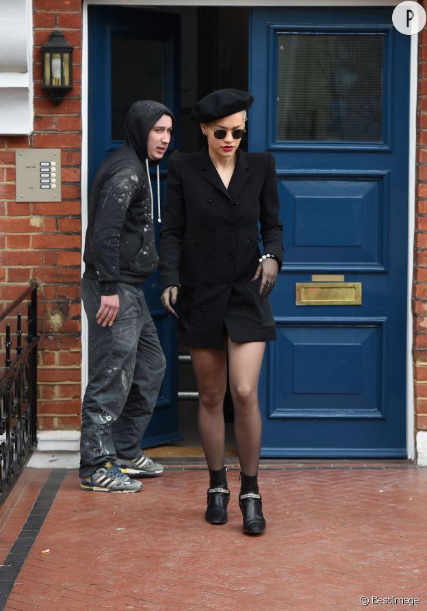 Rita Ora sans pantalon à Londres samedi 28 mars 2015.