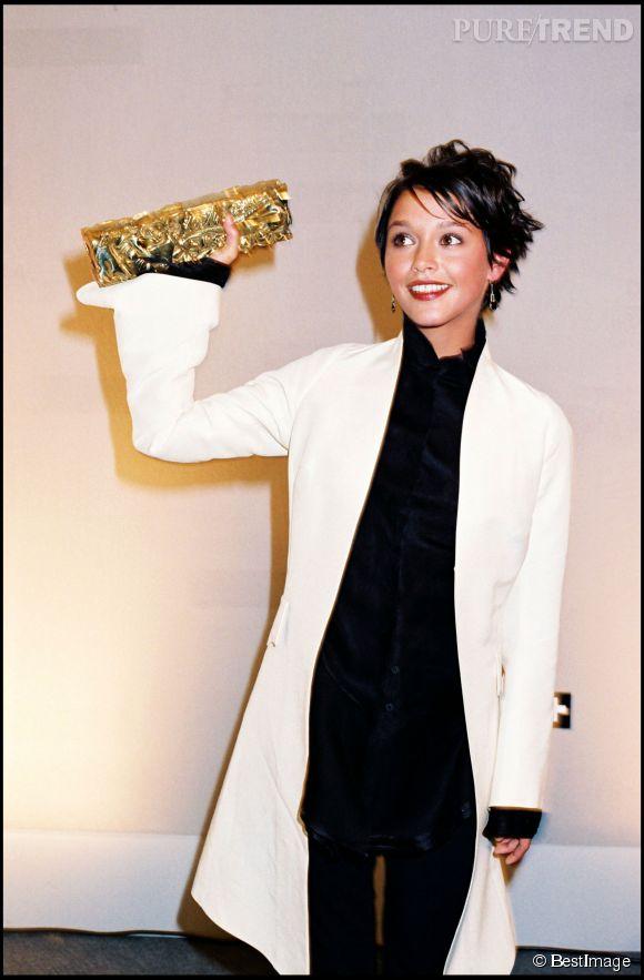 Emma de Caunes lors de la cérémonie des César en 1998. Elle remportait alors le pris de meilleur espoir.