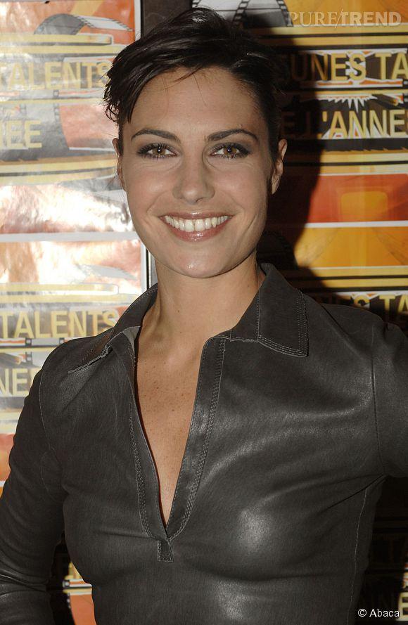 Alessandra Sublet n'a pas toujours su doser. Ici, trop de gris, trop de gel... Cette apparition en 2008 n'est pas la plus réussie de l'animatrice.