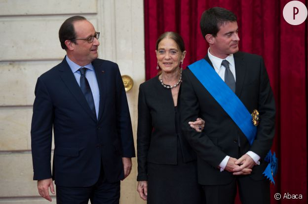 Manuel Valls et sa mère, Luisangela Galfetti, le jour de la remise de sa Grande Croix de l'Ordre National du Mérite, le 22 octobre 2014.