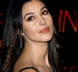 Monica Bellucci : alerte seins nus en pleine rue
