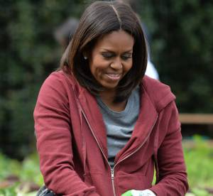 Michelle Obama : jardinage à la Maison Blanche, la first lady se salit !