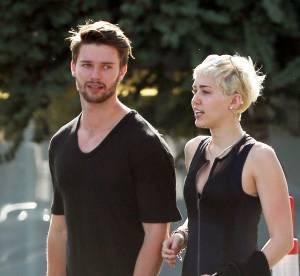Miley Cyrus et Patrick Schwarzenegger c'est fini, elle se console seins nus