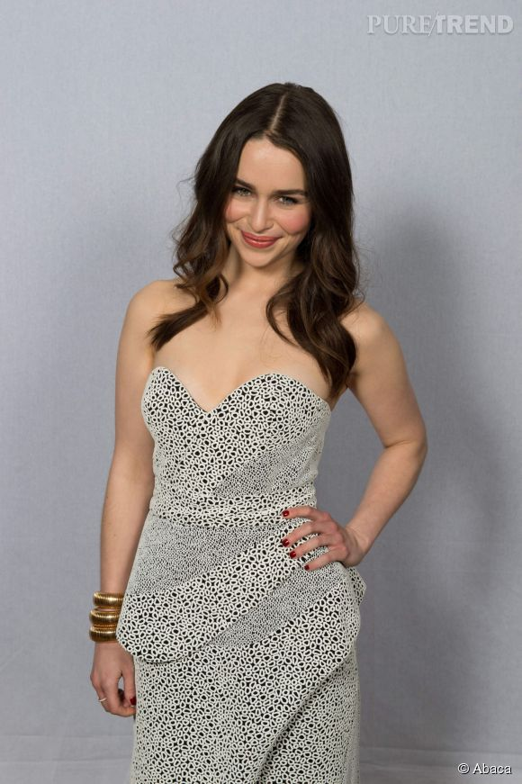 Emilia Clarke moins canon que sa doublure ? Il y a débat...