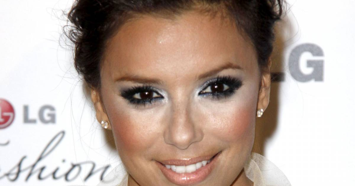 le contouring c 39 est bien quand c 39 est fait avec l g ret eva longoria. Black Bedroom Furniture Sets. Home Design Ideas