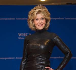 Jane Fonda : à 77 ans, elle épate en robe noire pailletée effet seconde peau