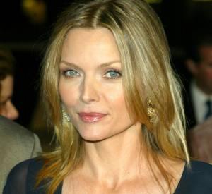Michelle Pfeiffer, canon sur le tapis rouge en 2002.