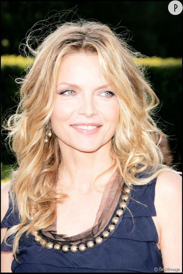 """Michelle Pfeiffer, lumineuse à la première de """"Stardust"""", en 2007."""