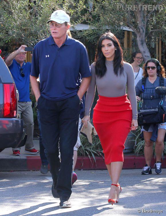 Kim Kardashian serait prête à devenir la nouvelle styliste de Bruce Jenner.