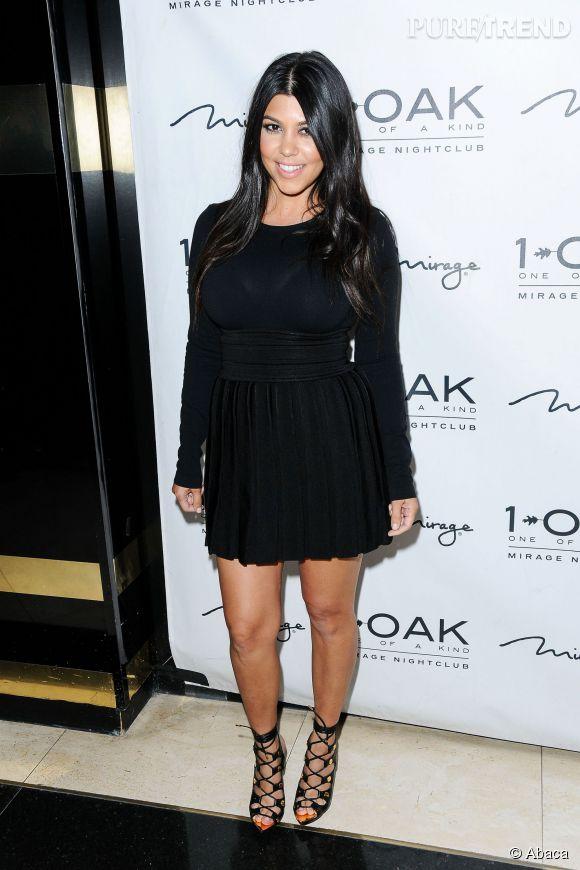 Kourtney Kardashian : pour un décolleté au top, elle a une technique infaillible...