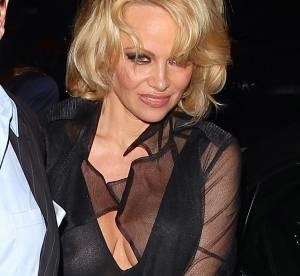Pamela Anderson : alerte tétons, l'ex-playmate sort le grand jeu