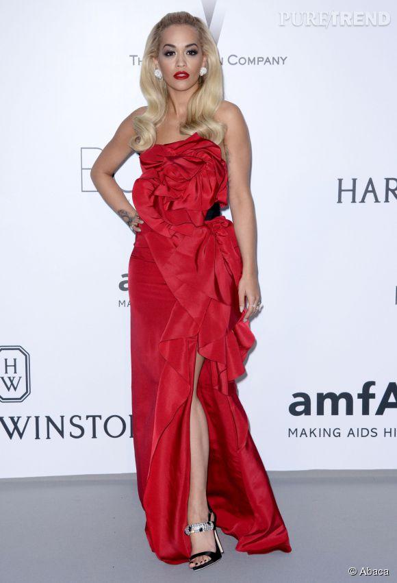 Rita Ora en Marchesa et sandales Giuseppe Zanotti Design au 22ème gala de l'amfAR Cinema against AIDS le 21 mai 2015 à Cannes.