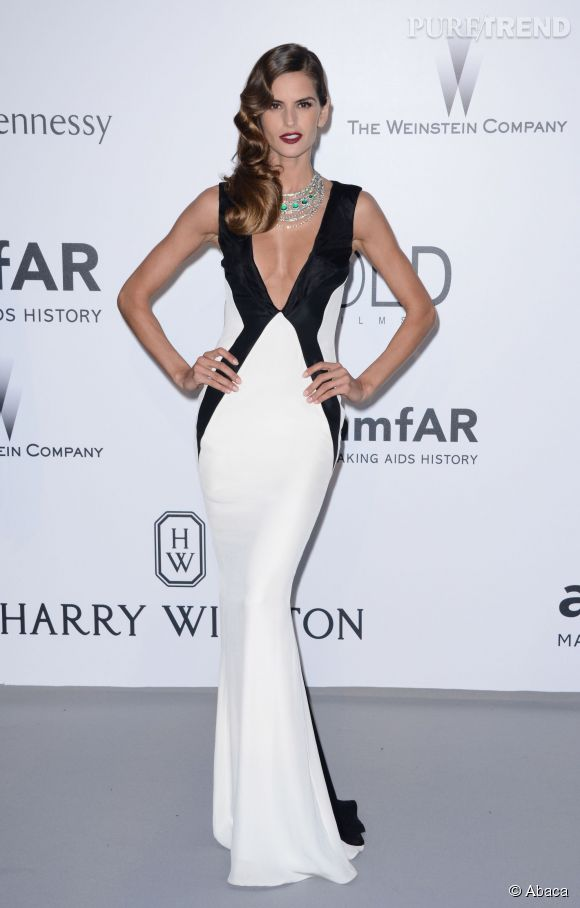 Izabel Goulart parée par de Grisogono au 22ème gala de l'amfAR Cinema against AIDS le 21 mai 2015 à Cannes.