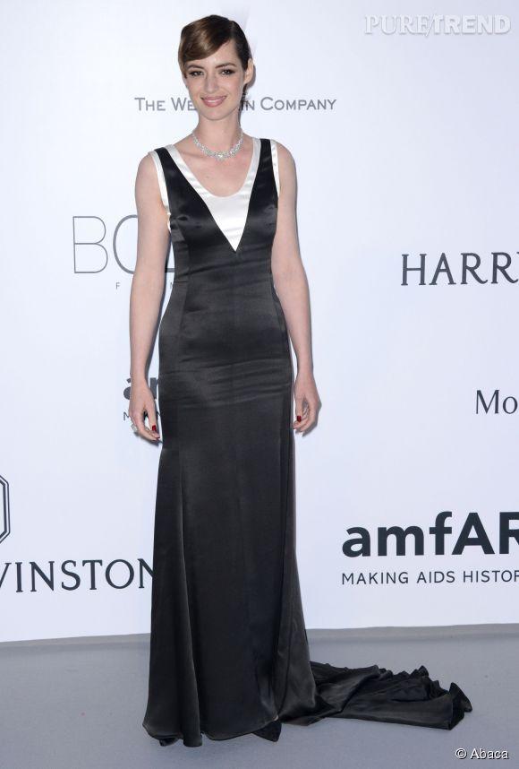 Louise Bourgoin chaussée par Christian Louboutin au 22ème gala de l'amfAR Cinema against AIDS le 21 mai 2015 à Cannes.