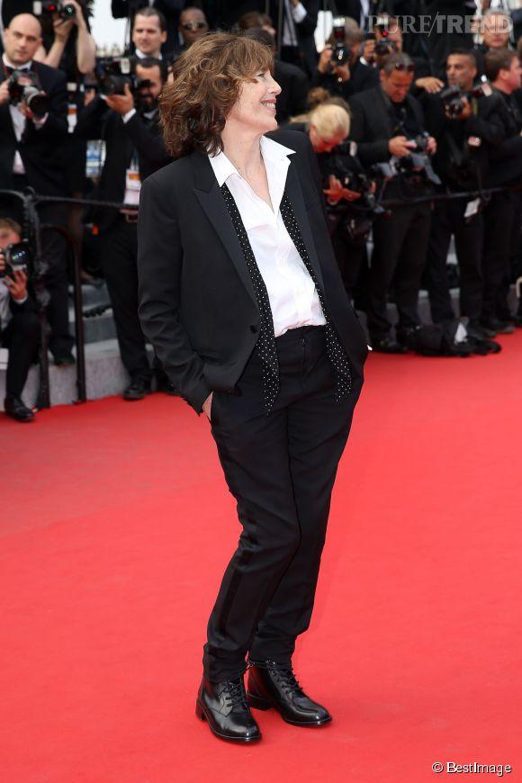 La plus française des Anglaises, Jane Birkin, a pris la pose sur le red carpet cannois, avec une allure folle... Comme toujours !