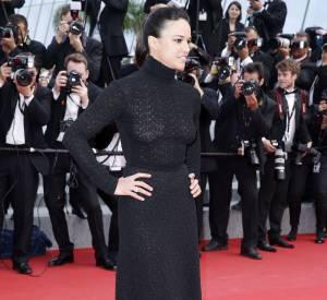 Elle a remis son prix à Vincen Lindon et elle nous en a mis plein les mirettes sur le tapis rouge dans sa robe noire Stuart Wietzman : Michelle Rodriguez.