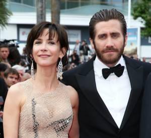 Sophie Marceau a fait sensation en robe Armani Privé, au bras du beau Jake Gyllenhaal.