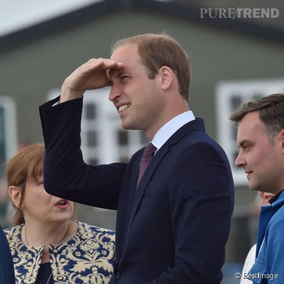 Le prince William a une collègue qui ressemble à sa femme mais il s'en moque. Il n'y a que Kate qui compte !