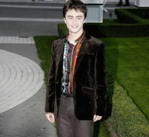 Daniel Radcliffe piochait visiblement dans les placards de papa pour briller devant les photographes.