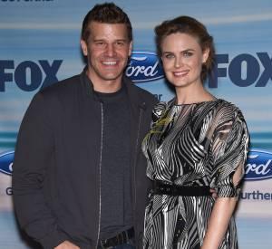 """David Boreanaz et Emily Deschanel, sa partenaire dans la série """"Bones""""."""