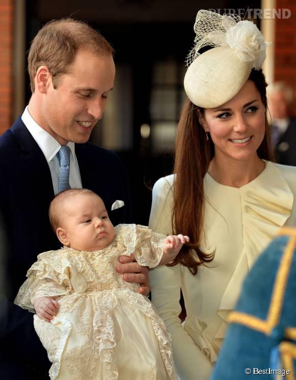 Le prince George a été baptisé en grande pompe mais en petit comité, le 23 octobre 2013.