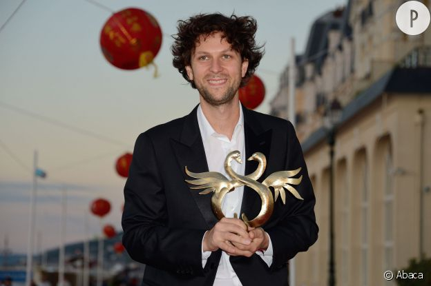 """Pierre Rochefort remporte le Swann d'Or de la révélation masculine lors du Festival du Film de Cabourg de 2014 pour son personnage dans le film """"Un beau dimanche""""."""