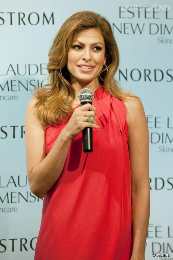 Eva Mendes fait partie des égéries Estée Lauder depuis avril dernier.