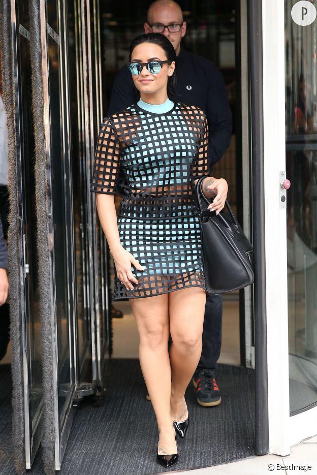 Demi Lovato, sexy à Paris.