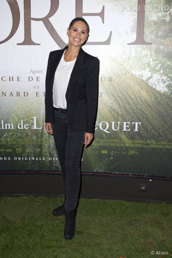 La ravissante Miss France 2004 n'a pas souhaité se reconvertir dans le show business. Elle est très heureuse en Alsace, sa région d'origine.