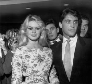 Brigitte Bardot a un eu petit flirt avec Sacha Distel