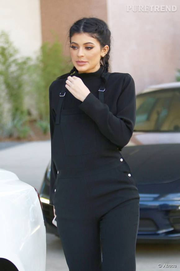 Kylie Jenner abuse des artifices pour se vieillir.