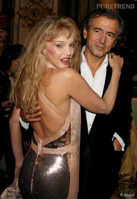"""Arielle Dombasle, une """"femme soumise"""" avec Bernard-Henri Levy."""