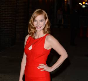Jessica Chastain aussi chic que sexy dans une robe incendiaire