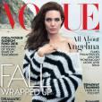 Angelina Jolie en couverture du magazine  Vogue  du mois de novembre.