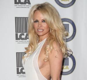 Pamela Anderson : un side boob osé pour soutenir la cause animale