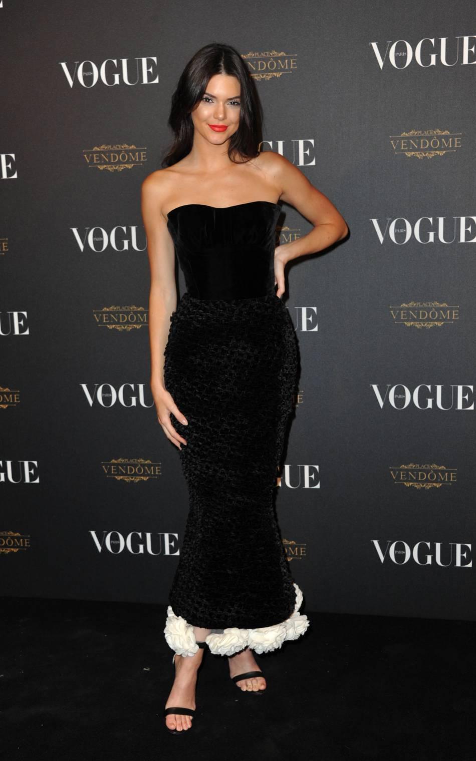 0acadb65e8c Kendall Jenner sublime pour la soirée Vogue.