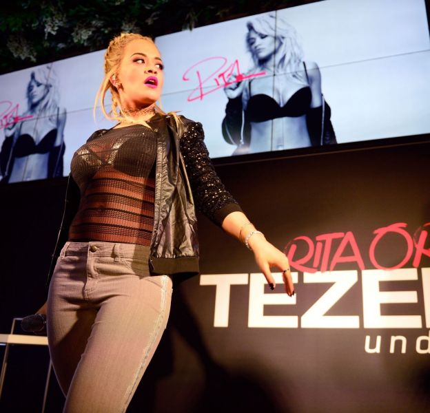Rita Ora lors de la soirée de lancement de la nouvelle collection Tezenis dont elle est égérie le 28 octobre 2015 à Francfort en Allemagne.