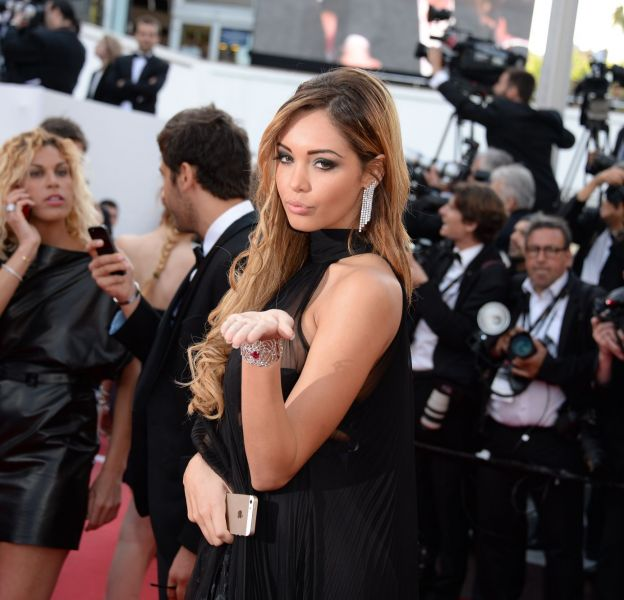 Nabilla très sexy sur le tapis rouge du Festival de Cannes.