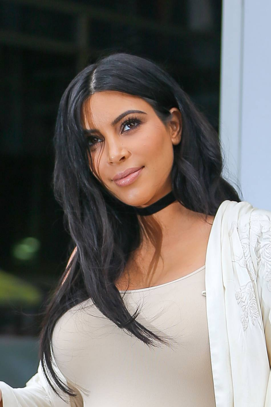Kim Kardashian dort sans se démaquiller pour ne pas avoir à se remaquiller le lendemain. A voir la dose qu'elle met, on peut la comprendre.