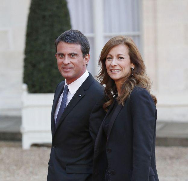 Anne Gravoin et son sac Lady Dior, aux côtés de Manuel Valls.