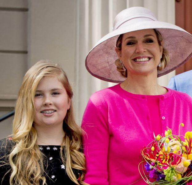Maxima des Pays-Bas avec le roi Willem-Alexander et leurs trois filles, de gauche à droite : Amalia, Ariane, Alexia.