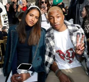 Avec sa femme en frontrow du show Chanel, Pharrell Williams démontre qu'il est féru de mode.
