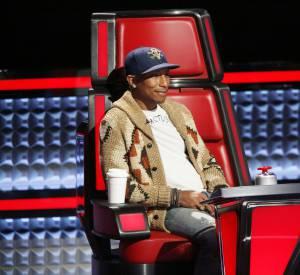 """Le look du juré de """"The Voice"""" est analysé à chacune de ses apparitions télévisées."""