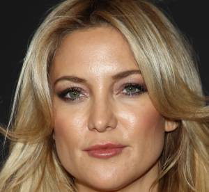Kate Hudson : decolleté jusqu'au nombril, attention à l'accident téton !