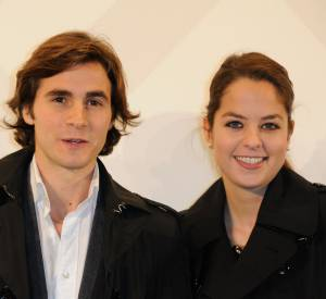 """Anouchka Delon continue de se faire remarquer dans la pièce """"Libres sont les papillons"""" avec son boyfriend Julien Dereims."""