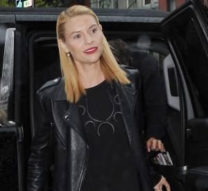 Claire Danes : l'actrice plus hot que jamais dans une robe noire très fendue