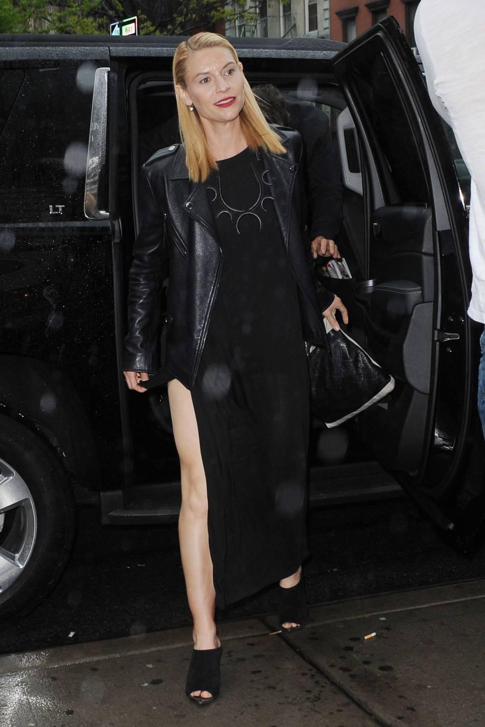 Claire Danes en robe fendue : une apparition qui ne manque pas d'originalité et de sex-appeal !