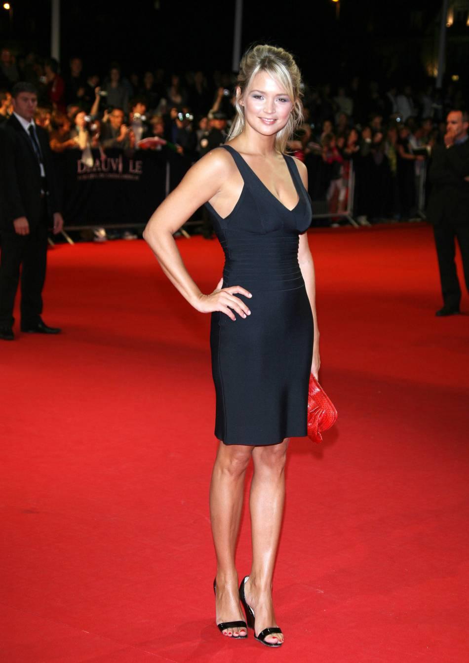 Virginie Efira et la petite robe noire à Cannes en 2008.
