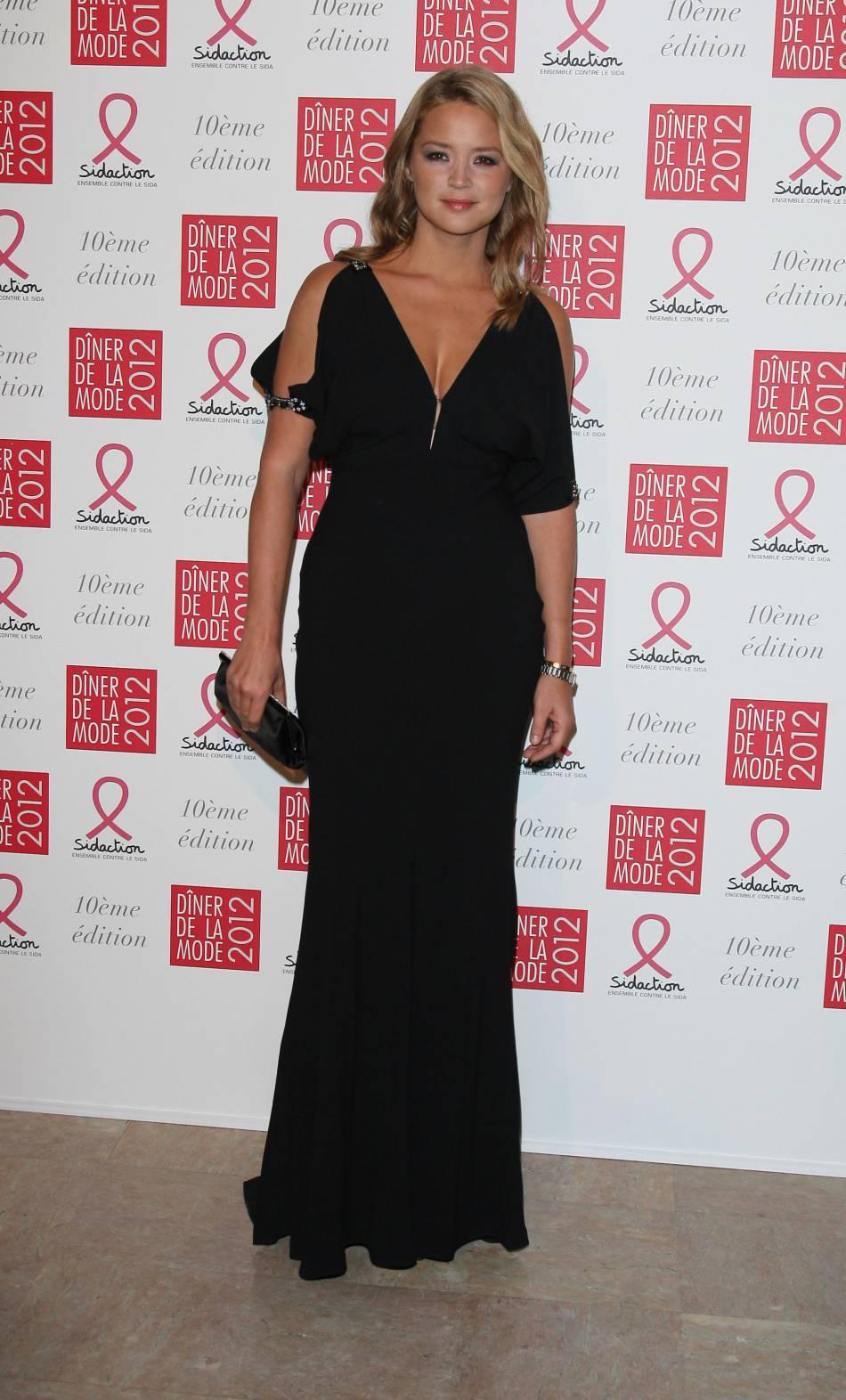 Virginie Efira se dévoilait en véritable déesse lors du dîner de la mode en 2012.